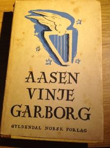 Dette kan vel seiast å vera blant dei tre største innan den nynorske bokheimen
